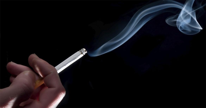 سیگار بلای جان حنجره و تارهای صوتی